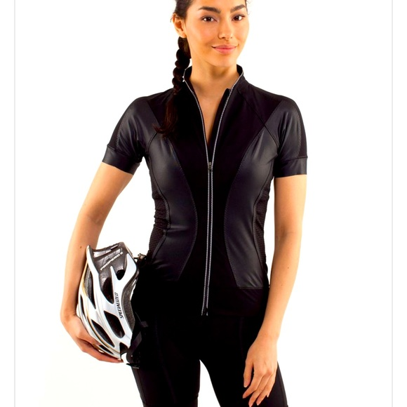 Lululemon cycling outfit